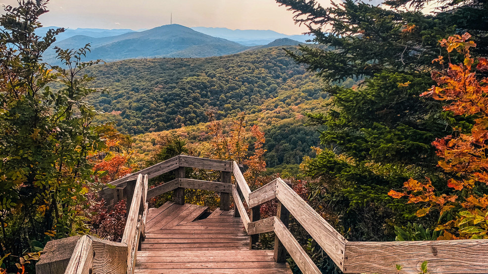 A BUSY FALL COLOR SEASON ANTICIPATED FOR WNC AND THE BLUE RIDGE PARKWAY